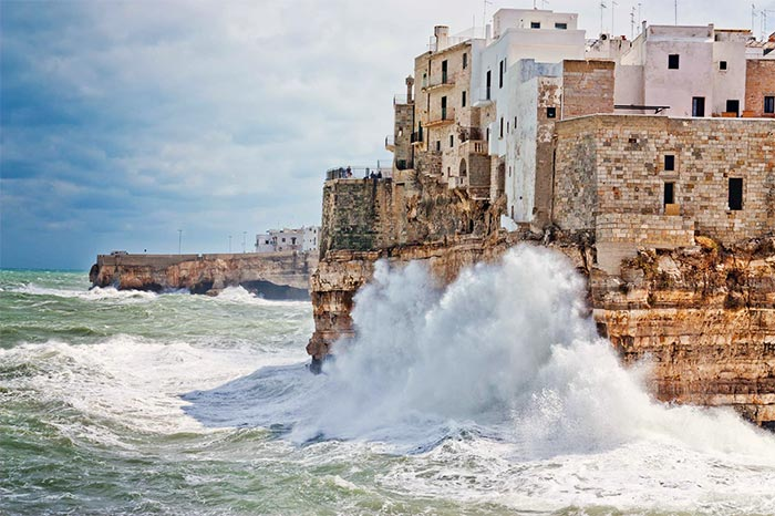 travel-with-us_polignano